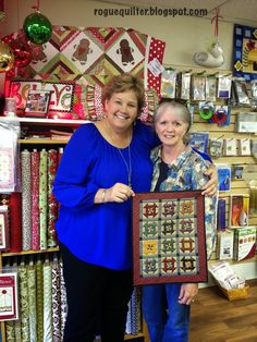 Jenny Doan and I with a mini I made from one of her Disappearing Pinwheel patterns