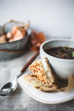 french onion soup with mini gruyére toasties