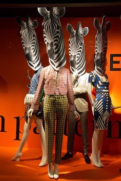 Style Resolutions #HoltsWindows  Love the way these prints and colours are styled.