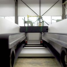 The longitudinal clearance in the conveyor is used to transport an odd-shaped product allowing for inspection from below. The contours and surface of the product are verified with a vision system. Contours, Surface, English, Garden Leave, Make It Happen, Products, Cameras, English Language, England