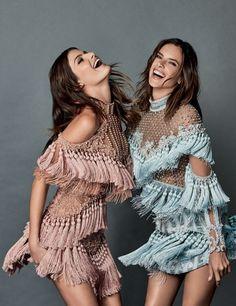 "Duplinha inédita na capa da ""Vogue"" Brasil: Isabeli Fontana e Alessandra Ambrosio"