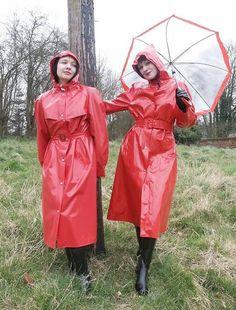Femmes in Rubber Boots Red Raincoat, Vinyl Raincoat, Hooded Raincoat, Raincoats For Women, Outerwear Women, Rain Slicker Womens, Imper Pvc, Rain Bonnet, Rubber Raincoats