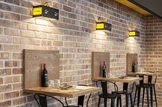 Small Restaurant Design, Deco Restaurant, Rustic Restaurant, Restaurant Interior Design, Coffee Shop Interior Design, Coffee Shop Design, Cafe Design, Industrial Cafe, Café Bar
