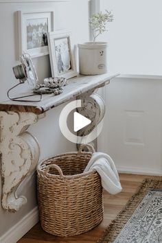 How To Decorate A Small Entrance with limited money and space. How I decorate our small entrance way in our small rancher for free. Key Factors to make your entrance way beautiful and inviting. Country Farmhouse Decor, Farmhouse Style Kitchen, Modern Farmhouse Kitchens, French Country Decorating, Farmhouse Table Runners, Decorating Your Home, Diy Home Decor, Decorating Ideas, Hallway Decorating