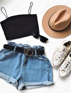 Crops and denim shorts are the best summer outfit - moda damska - Cute Casual Outfits, Short Outfits, Stylish Outfits, Cute Summer Outfits Tumblr, Outfit Ideas Summer, Tumblr Outfits, Casual Jeans, Teen Fashion Outfits, Mode Outfits