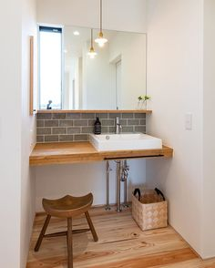 Washroom Design, House Design, Bathroom Splashback, Small Toilet Room, Small Toilet, Home Interior Design, Bathroom Design, Small Restaurant Design, Kitchen Design