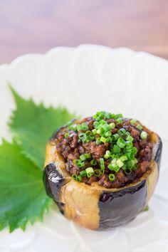 Nikumiso Dengaku, eggplant stuffed with miso seasoned meat. @norecipes