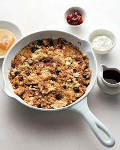Kosher Recipes // Skillet Matzo Brei with Cinnamon, Apple, and Raisins Recipe