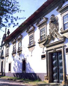 Solar das Arcas (Arcas Manor House), Arcas, Macedo de Cavaleiros, Tras-os-Montes, Portugal (by Luis Liberal)
