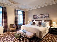 Zurich Alden Luxury Suite Hotel Zurich Switzerland, Europe Ideally located in the prime touristic area of 2. Wollishofen-Leimbach-Enge, Alden Luxury Suite Hotel Zurich promises a relaxing and wonderful visit. The hotel offers a wide range of amenities and perks to ensure you have a great time. Take advantage of the hotel's 24-hour front desk, Wi-Fi in public areas, car park, room service, airport transfer. Designed for comfort, selected guestrooms offer whirlpool bathtub, non ...