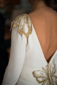Low back, long sleeves, and gold applique details. Different Wedding Dresses, Perfect Bride, Fashion Details, Fashion Design, Dress Backs, Couture Fashion, Fashion Fashion, Dream Dress, Bridal Dresses