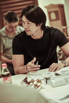 """Hyun Bin and Jang Dong-gun at script reading for film """"Rampant"""" Hyun Bin, Asian Actors, Korean Actors, Lee Sun Bin, Seo Ji Hye, Choi Jin Hyuk, Soul Songs, Handsome Actors, Korean Star"""