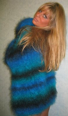 Gros Pull Mohair, Knit Wear, Angora Sweater, Sexy Older Women, New Wardrobe, Sweater Outfits, Jumpers, Cowl Neck, Sweaters For Women