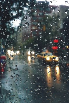 Rainy day's are my very favorite, I love being home snuggling up with a good book and warm tea. Here's my rainy day playlist that makes . Rainy Mood, Rainy Night, Walking In The Rain, Singing In The Rain, Rain Photography, Street Photography, I Love Rain, Rain Days, Sound Of Rain