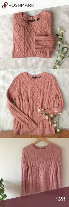 Blush Pink Textured Sweater JEANNE PIERRE Blush Pink Cableknit in excellent condition with no flaws!  Size M Length: 25in  Bust: 18 in Jeanne Pierre Sweaters Crew & Scoop Necks
