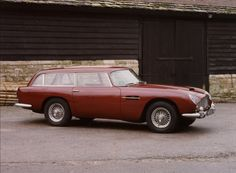 Aston Martin 1965 --The Shooting Brake Makes a Comeback - New York Times Aston Martin Db5, Classic Aston Martin, New York Times, Coach Builders, Brakes Car, Sports Wagon, Shooting Brake, Car In The World, Station Wagon