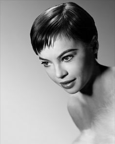 Leslie Caron, the gamine actress and dancer who was more poular in the USA thanks to films like Gigi, than in her native France