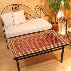 Marokkanische Mosaiktische schaffen drinnen & draußen ein orientalisches ambiente. www.albena-shop.de