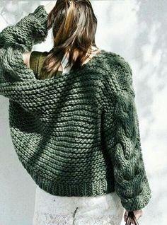 Crochet sweater circle fashion outfits 26 new Ideas Knitwear Fashion, Crochet Fashion, Gilet Crochet, Knit Crochet, Circle Fashion, Wool Sweaters, Pulls, Hand Knitting, Knitting Patterns