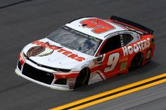 Chase Elliott, driver of the Hooters Chevrolet, practices for the Monster Energy NASCAR Cup Series Coke Zero Sugar 400 at Daytona International Speedway on July 2018 in Daytona Beach, Florida. Chase Elliott Car, Bristol Motor Speedway, Nascar Race Cars, Monster Energy Nascar, Daytona International Speedway, Nascar Diecast, Drag Racing, Auto Racing, Vintage Race Car