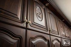 #feketedió #vadászbútor #dió bútor Armoire, Furniture, Home Decor, Clothes Stand, Decoration Home, Closet, Room Decor, Reach In Closet, Home Furnishings