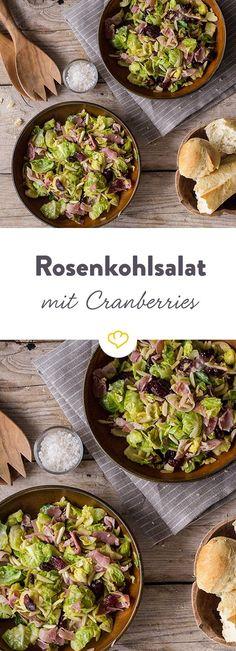 Herrlich leicht! Die Kombination von Rosenkohl und Cranberries sorgt auf dem Speiseplan von Salatliebhabern für eine angenehme Abwechslung.