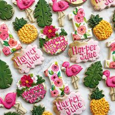 Don't think I could love this set more! Meringue Cookies, Iced Cookies, Cute Cookies, Royal Icing Cookies, Cupcake Cookies, Cupcakes, Flamingo Birthday, Luau Birthday, 19th Birthday