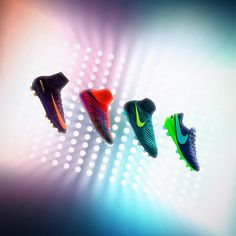 As the days get shorter and pitch visibility decreases @nikefootball introduces the Floodlights Pack . . . #footydotcom #fcfc #footy #footballboot #soccercleats #football #soccer #futbol #futbolsport #cleatstagram #totalsocceroffical #fussball #bestoffootball #rldesignz #footballboots #footballgame #soccergame #nike #nikefootball #floodlight #floodlightpack #hypervenom #magista #mercurial #superfly #tiempo
