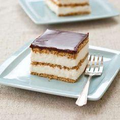 No bake Chocolate Eclair Cake – Recipes! Chocolate Eclair Cake, Best Chocolate, Chocolate Glaze, Chocolate Cream, Food Cakes, Cupcake Cakes, Cupcakes, Just Desserts, Delicious Desserts
