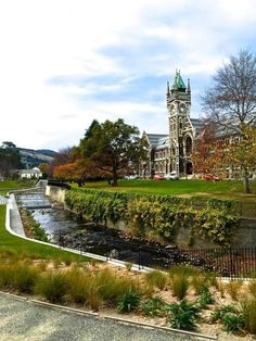 Otago University, Dunedin Nz South Island, Places To Travel, Places To Visit, Castles To Visit, Hiking Fashion, Homeland, Studying, Kiwi, Big Ben