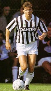 Andreas Moeller Football Icon, World Football, Nike Football, Football Players, Juventus Players, Juventus Fc, Sports Stars, Old Women, Fifa