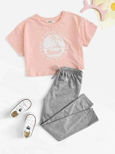 To find out about the Girls Letter & Beach Print Top & Marled Pants Set at SHEIN, part of our latest Girls Two-piece Outfits ready to shop online today! Cute Lazy Outfits, Kids Outfits Girls, Pretty Outfits, Stylish Outfits, Teenage Outfits, Girls Fashion Clothes, Teen Fashion Outfits, Preteen Fashion, Style Clothes