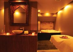 HAMMAM SPA | Ritual Therapy in Toronto, Ontario Like the rustic mirror with the ivory matelasse blanket.