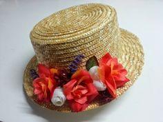 canotier con flores ideal para bodas de día 3f6305e7a0a