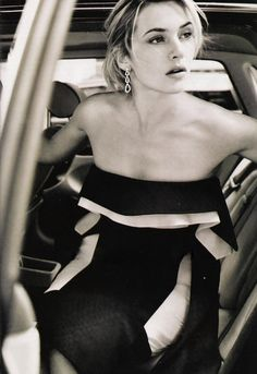 Kate Winslet, by Mario Testino (one of my favorite actresses by one of my favorite photographers...)