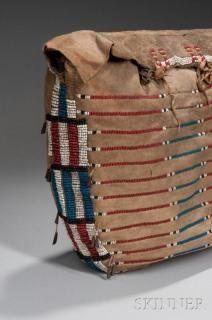 Plains Beaded Buffalo Hide Possible Bag Native American Medicine Bag, Native American Crafts, Native American Artifacts, Native American Beadwork, Native American Indians, Native Americans, Powder Horn, Bubble Art, Bead Loom Bracelets