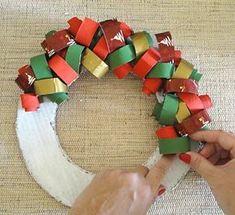 Como fazer uma guirlanda reciclando rolinhos de papel - Vila do Artesão
