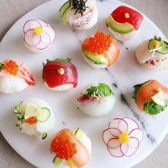 Sushi = Beautiful, Delicious, and SPICY credit: Sushi Recipes, Seafood Recipes, Temari Sushi, Sushi Co, Sushi Menu, Japanese Food Sushi, Nigerian Food, Western Food, Appetizer Salads