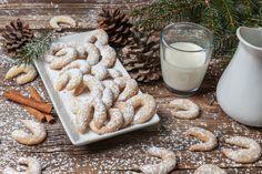 Τα 10 καλύτερα μπισκότα του κόσμου -ανάμεσα τους και ένα ελληνικό - www.olivemagazine.gr Greek Recipes, Glass Of Milk, Dairy, Cheese, Foodies, Cookie Box, Veggie Recipes, Play Dough, Food Portions