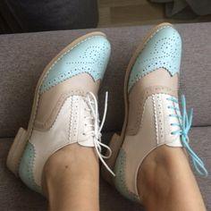 0f96c40ca57b Femmes de Appartements Oxford Chaussures en cuir véritable plat cru  chaussures bout rond à la main blanc noir oxford chaussures pour femmes  avec fourrure