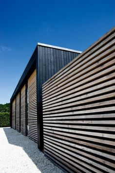 exterior cladding detail Det nye barn i kolonien Wood Cladding Exterior, Black Cladding, Wooden Cladding, House Cladding, Wood Facade, Cladding Ideas, Cedar Cladding, Wall Cladding, Danish House
