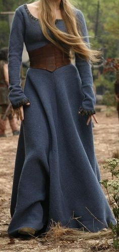 Wool dress with leather cincher. Everyday women attire. Fort, Telgar, High Reaches, and Benden garb.
