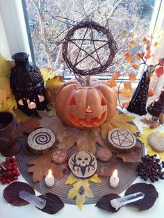 Wiccan Witch, Wicca Witchcraft, Magick, Wiccan Sabbats, Paganism, October 31 Halloween, Samhain Halloween, All Souls Day, Modern Halloween
