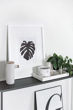 Free printable botanical art- monstera