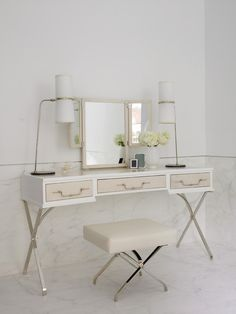 5 Contemporary White Dressing Tables to Get Ready For Your Day