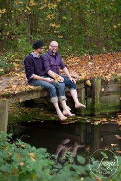 Pootje baden op je bruiloft? Gewoon lekker doen! Het is jullie dag, dus relax en geniet ervan. http://www.trouwfotografiefreya.nl/real-weddings/herfst-bruiloft-in-het-bos/