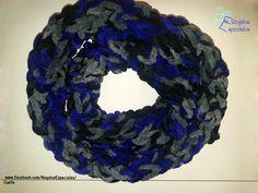 Cuello en azul, gris y negro.  www.facebook.com/RegalosEspeciales/