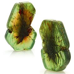 Rare alexandrite crystal, 41.11 cts from Tanzania. More @ www.multicolour.com…