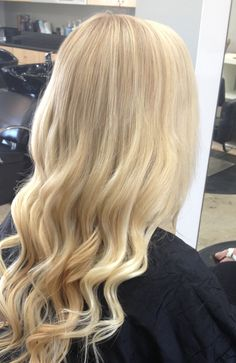 Andrea Prchal Primo Salon Studio Scottsdale, Arizona follow me on Instagram: andreaprchalhairaz #blonde #extensions #scottsdale #uofa #asu
