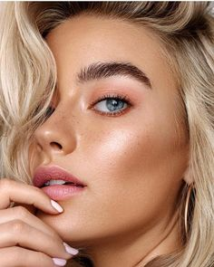 The most suitable make-up light for the best . - perfect makeup make-up light makeup mirror - Sommer Make-up Looks, Sommer Make Up, Makeup Trends, Makeup Inspo, Makeup Ideas, Makeup Guide, Makeup Tutorials, Natural Makeup For Blondes, Natural Summer Makeup
